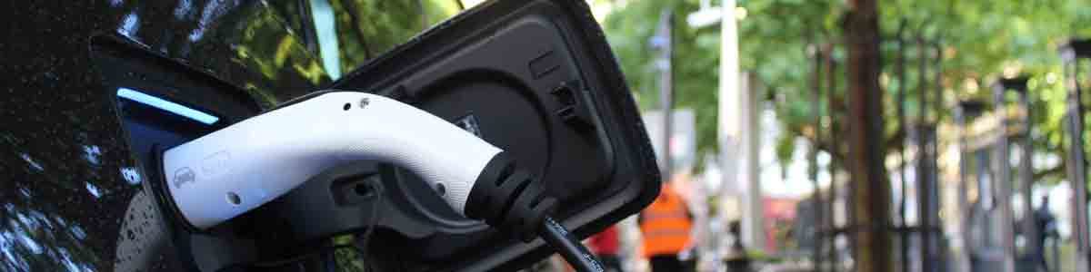 Auto makers and electricity sector call for rapid action on charging points under EU recovery plan